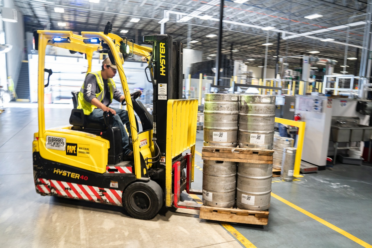 person-driving-yellow-forklift-1267337